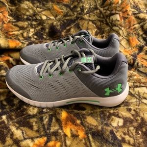 NEW! Under Armour PURSUIT Running Shoes 5.5Y WIDE